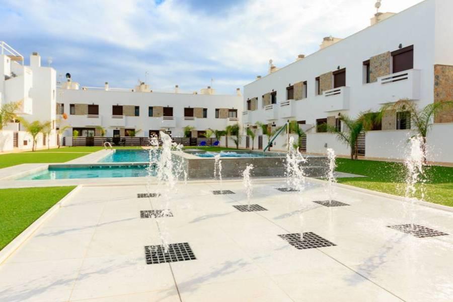 Pilar de la Horadada,Alicante,España,3 Bedrooms Bedrooms,2 BathroomsBathrooms,Bungalow,22389