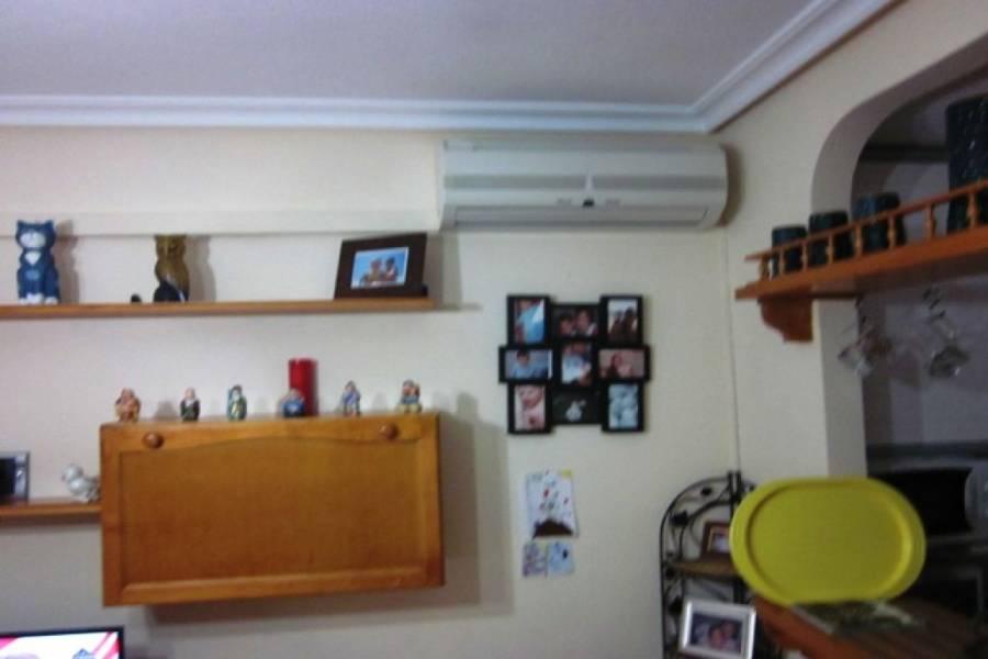 Torrevieja,Alicante,España,2 Bedrooms Bedrooms,1 BañoBathrooms,Apartamentos,22512