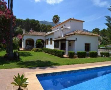 Dénia,Alicante,España,6 Bedrooms Bedrooms,3 BathroomsBathrooms,Chalets,30409
