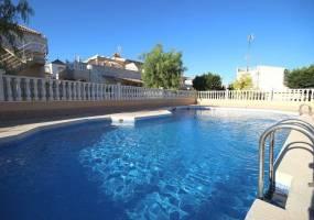Torrevieja,Alicante,España,2 Bedrooms Bedrooms,1 BañoBathrooms,Cabañas-bungalows,3853