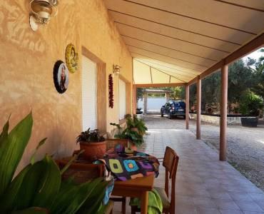 Villena,Alicante,España,4 Bedrooms Bedrooms,2 BathroomsBathrooms,Chalets,34292