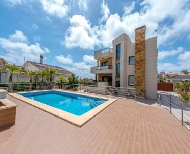 Torrevieja,Alicante,España,5 Bedrooms Bedrooms,3 BathroomsBathrooms,Casas,34737