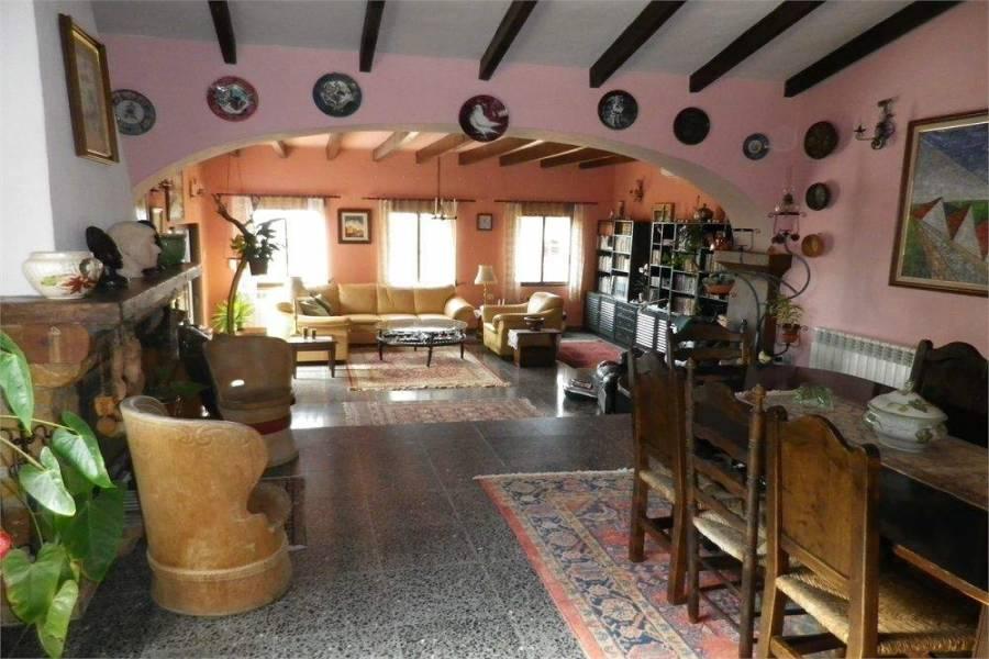 Alfaz del Pi,Alicante,España,3 Bedrooms Bedrooms,2 BathroomsBathrooms,Chalets,39747