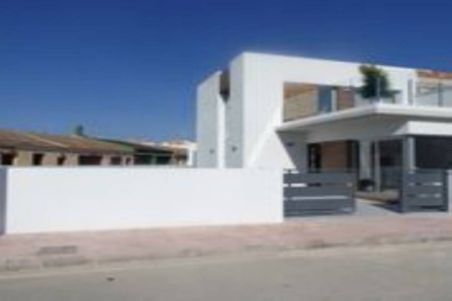 Daya Vieja,Alicante,España,3 Bedrooms Bedrooms,3 BathroomsBathrooms,Chalets,39895