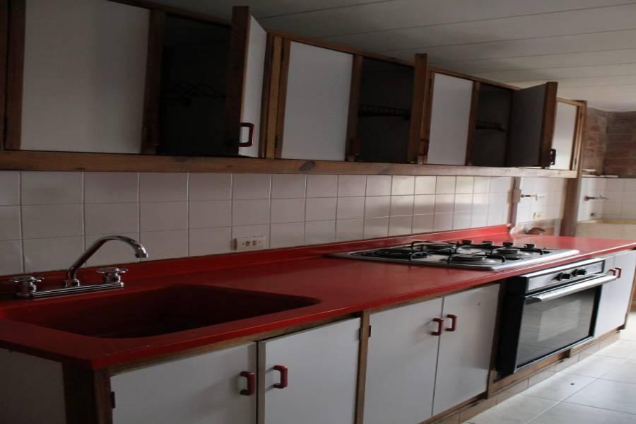 Medellin,Antioquia,Colombia,3 Bedrooms Bedrooms,2 BathroomsBathrooms,Apartamentos,urbanizacion la coruña,4,40452