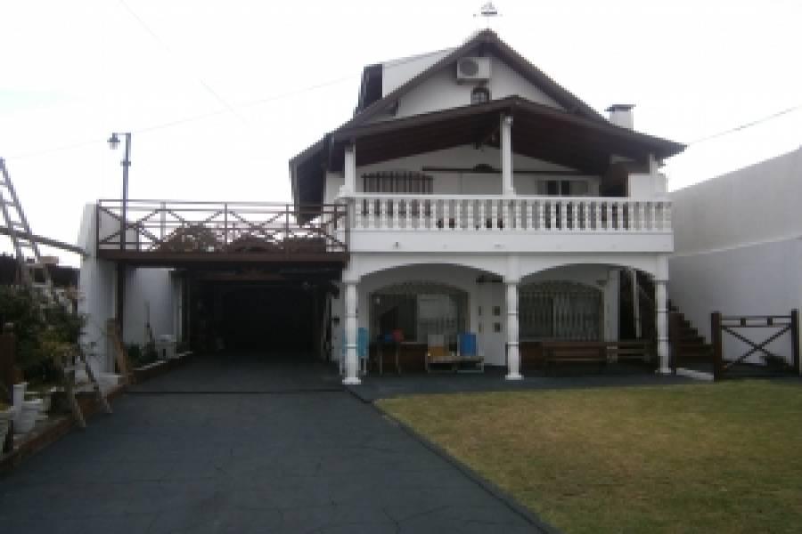 Santa Teresita,Buenos Aires,Argentina,6 Bedrooms Bedrooms,4 BathroomsBathrooms,Casas,44,40709