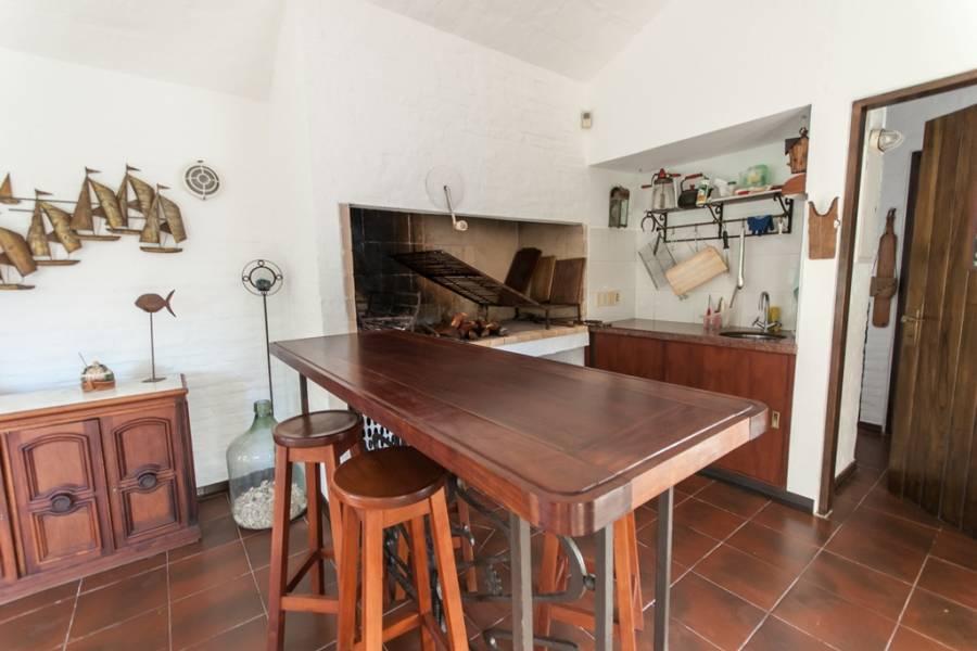 Punta del Este, Maldonado, Uruguay, 4 Bedrooms Bedrooms, ,3 BathroomsBathrooms,Casas,Venta,41448
