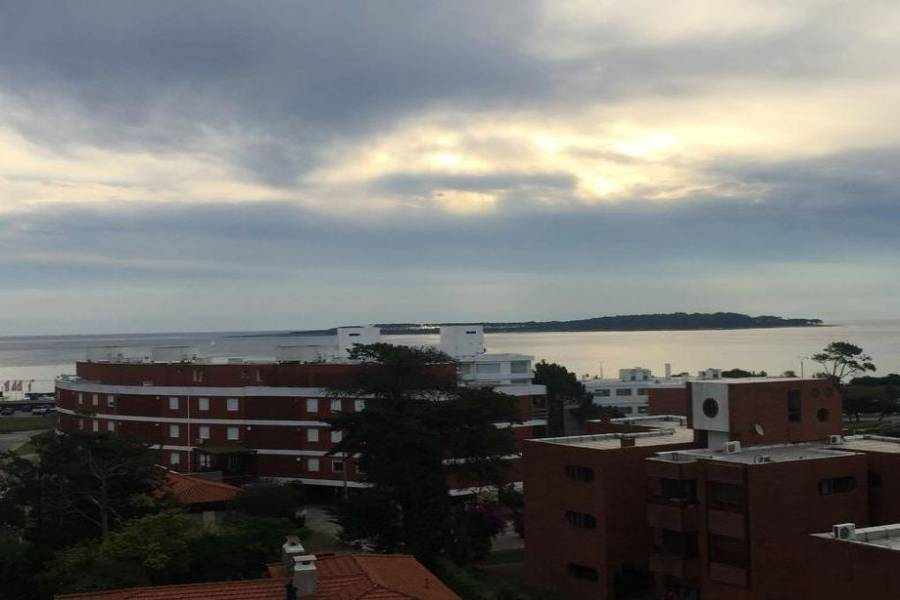 Punta del Este, Maldonado, Uruguay, 4 Bedrooms Bedrooms, ,5 BathroomsBathrooms,Apartamentos,Venta,41871