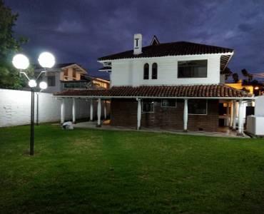 Cuenca, AZUAY, Ecuador, 6 Bedrooms Bedrooms, ,5 BathroomsBathrooms,Casas,Alquiler-Arriendo,Ave. Manuel J. Calle,2,42005