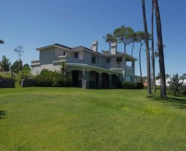 Punta del Este, Maldonado, Uruguay, 8 Bedrooms Bedrooms, ,8 BathroomsBathrooms,Casas,Venta,42041