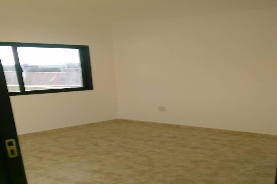 GUALEGUAYCHU, Entre Ríos, Argentina, 3 Habitaciones Habitaciones, ,2 BathroomsBathrooms,PH Tipo Casa,Venta,FERNANDEZ Y PUERTO ARGENTINO,42608