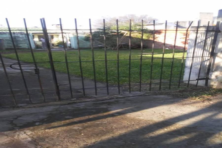 Colon, Entre Ríos, Argentina, 2 Habitaciones Habitaciones, ,1 BañoBathrooms,Casas,Venta,Leguizamon ,42681