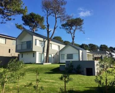 Punta del Este, Maldonado, Uruguay, 5 Habitaciones Habitaciones, ,4 BathroomsBathrooms,Casas,Temporario,42939