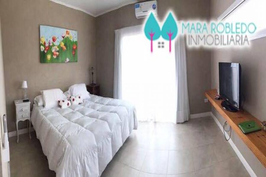 Costa Esmeralda,Buenos Aires,Argentina,4 Bedrooms Bedrooms,4 BathroomsBathrooms,Casas,GOLF 1 LOTE 52,5511