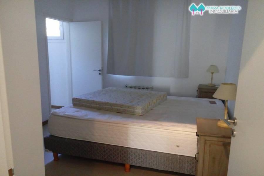 Costa Esmeralda,Buenos Aires,Argentina,6 Bedrooms Bedrooms,5 BathroomsBathrooms,Casas,GOLF 2 LOTE 290,5521