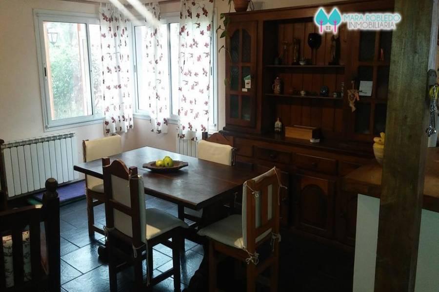 Valeria del Mar,Buenos Aires,Argentina,3 Bedrooms Bedrooms,2 BathroomsBathrooms,Casas,ESPARZA,5946