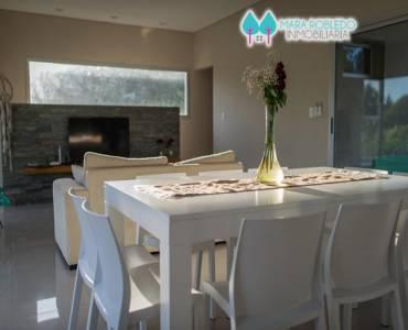 Costa Esmeralda,Buenos Aires,Argentina,4 Bedrooms Bedrooms,4 BathroomsBathrooms,Casas,GOLF 1 LOTE 276,5999