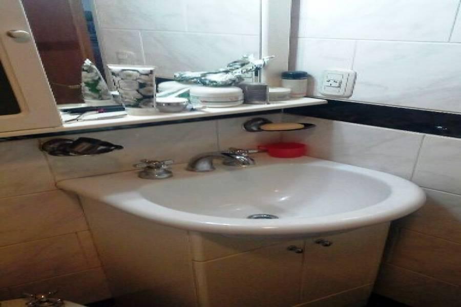 Villa Luro,Capital Federal,Argentina,2 Bedrooms Bedrooms,1 BañoBathrooms,Casas,DONIZETTI ,6186