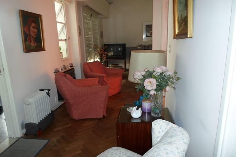 Flores,Capital Federal,Argentina,2 Bedrooms Bedrooms,1 BañoBathrooms,Casas,LAUTARO AL 1000,6216