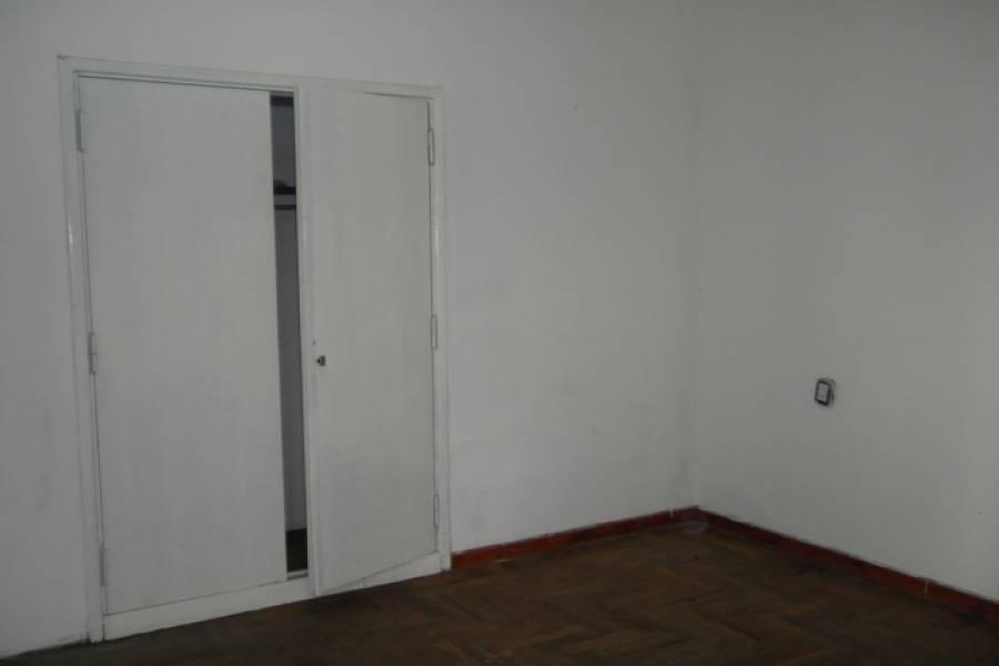 Liniers,Capital Federal,Argentina,2 Bedrooms Bedrooms,1 BañoBathrooms,PH Tipo Casa,CASCO,6385