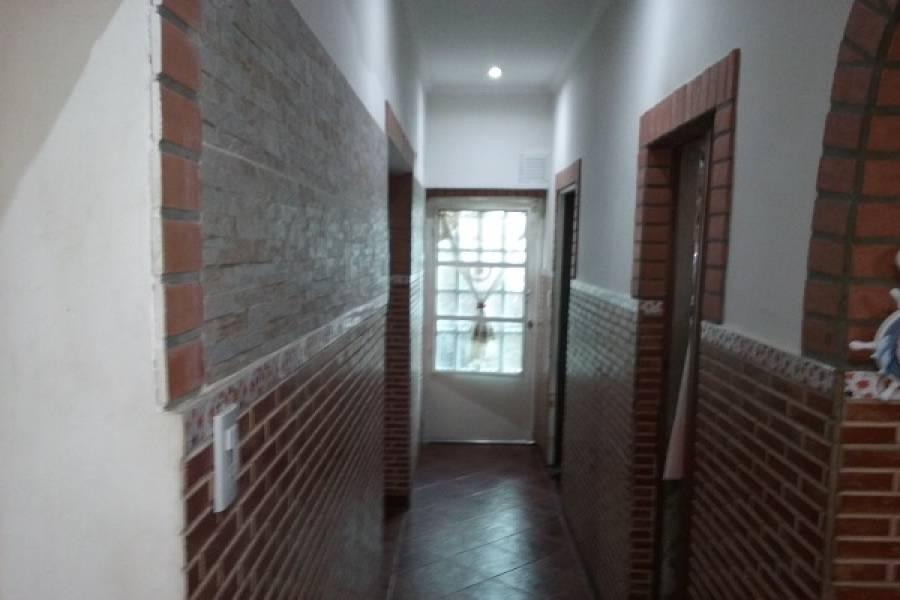 Parque Avellaneda,Capital Federal,Argentina,2 Bedrooms Bedrooms,4 BathroomsBathrooms,PH Tipo Casa,LA FACULTAD,6563