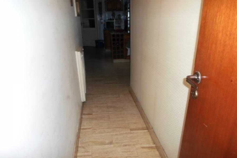 Flores,Capital Federal,Argentina,2 Bedrooms Bedrooms,1 BañoBathrooms,Apartamentos,CARABOBO,7168