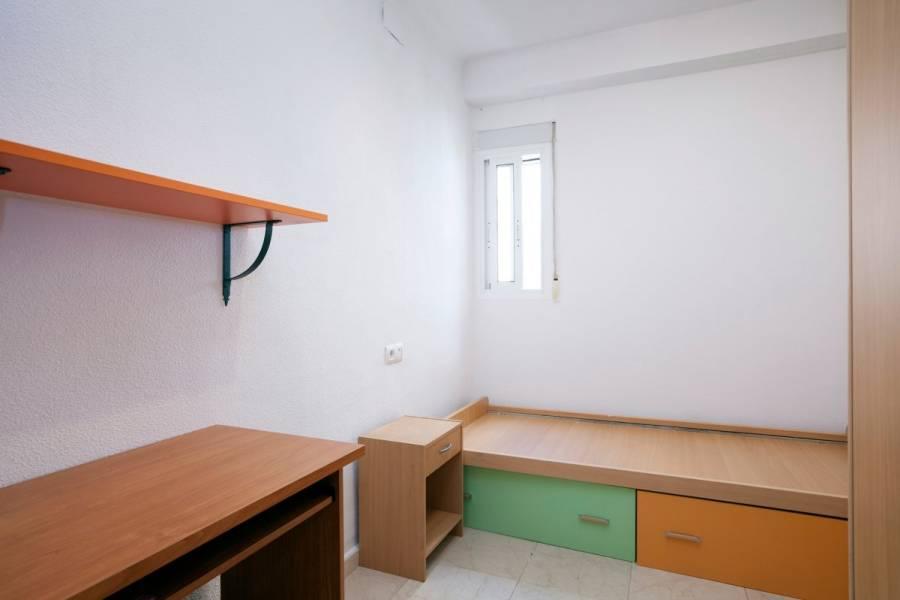 Alicante,Alicante,España,3 Bedrooms Bedrooms,1 BañoBathrooms,Pisos,8280