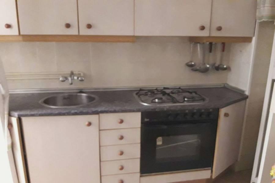 Alicante,Alicante,España,3 Bedrooms Bedrooms,1 BañoBathrooms,Pisos,8419