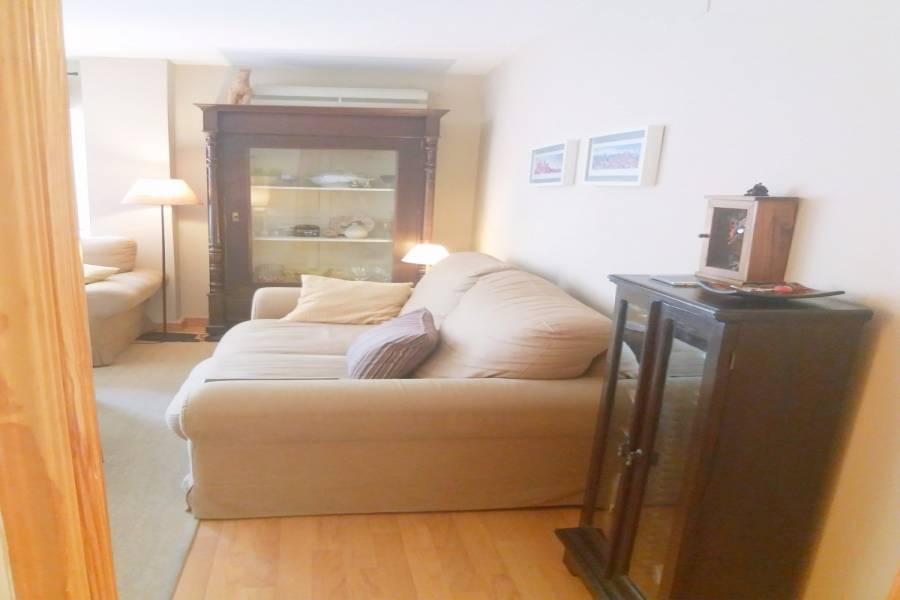 Alicante,Alicante,España,2 Bedrooms Bedrooms,2 BathroomsBathrooms,Pisos,8420