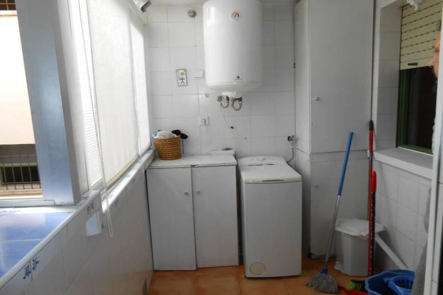 Alicante,Alicante,España,3 Bedrooms Bedrooms,2 BathroomsBathrooms,Pisos,8629