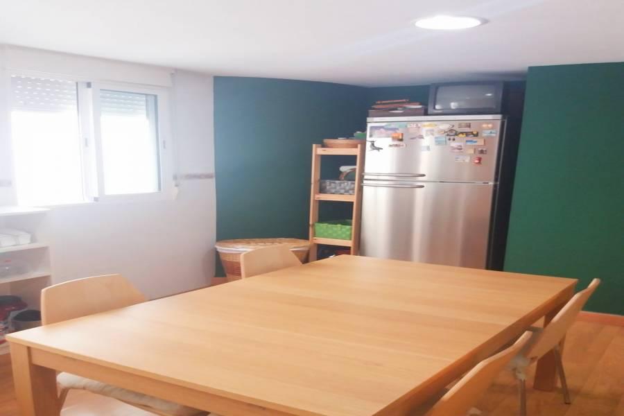Alicante,Alicante,España,2 Bedrooms Bedrooms,2 BathroomsBathrooms,Pisos,8798