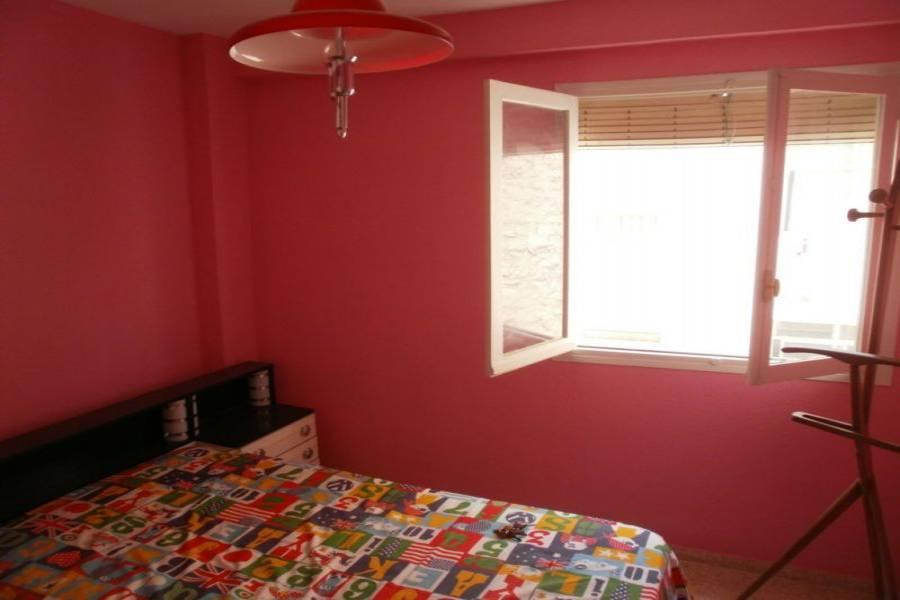 Alicante,Alicante,España,3 Bedrooms Bedrooms,1 BañoBathrooms,Pisos,9198