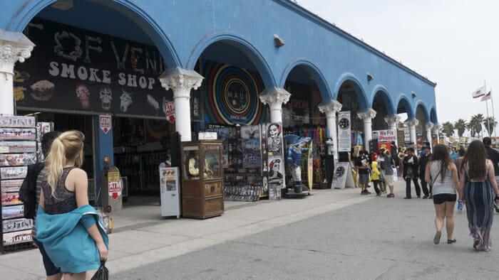 https://i1.wp.com/solotravelerblog.com/wp-content/uploads/2014/03/Venice-Beach-California.jpg
