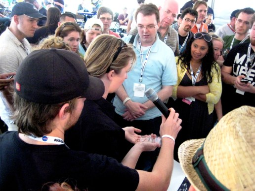 Stephanie Smith Introduces NASA Tweetup Participants to Aerogel