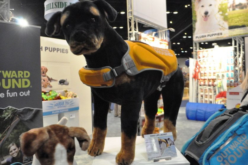Keep Your Aqua-Pup Afloat with the Outward Hound H2GO Life Jacket