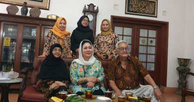 Titiek Soeharto dan Mudrick sangidu