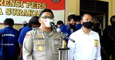 Kapolres Surakarta, Kombes Pol Safri Simanjuntak saat menggelar jumpa pers terkait penangkapan tersangka kasus Mertodranan Pasar Kliwon, Kamis (1/10/2020).