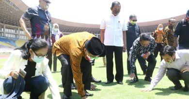 Komisi X DPR RI kunjungi Stadion Mahanan bersama Walikota Solo