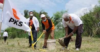DPW PKS Jawa Tengah melakukan penanaman 100 bibit pohon akar wangi