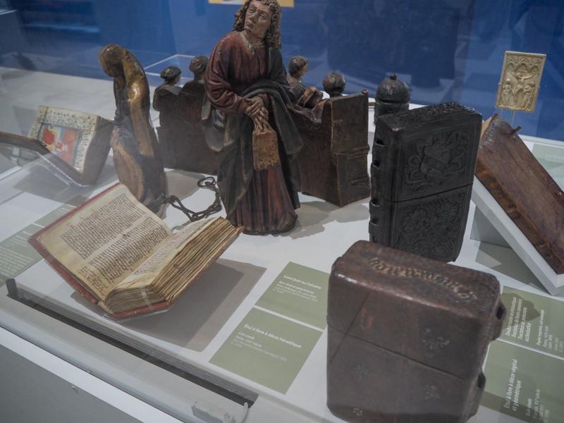 """Exposition """"Regards sur la vie quotidienne' du musée de Cluny - l'art de l'écriture - manuscrits"""