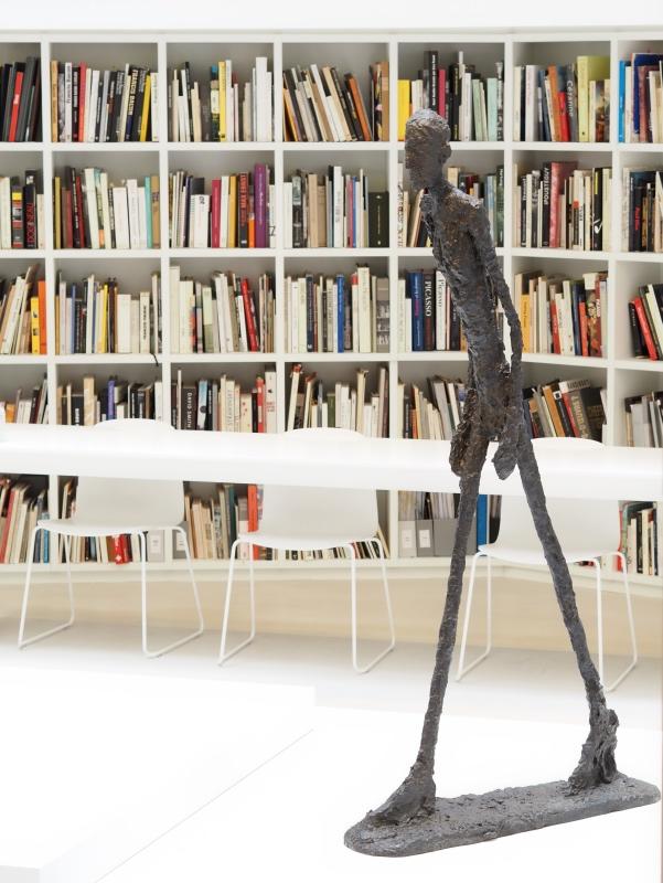 Giacometti, homme qui marche, bronze, 1960, Fondation Giacometti, Paris