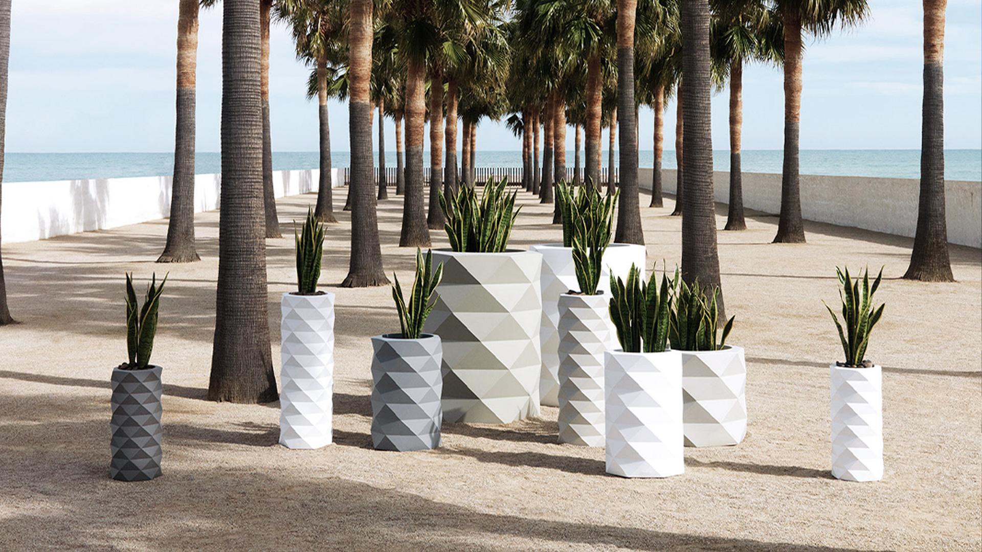 Solution Design | Vente en ligne de mobilier, luminaire et décoration design pour vos intérieurs.