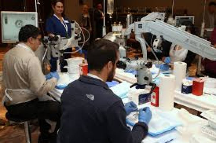 cataract surgery training courses