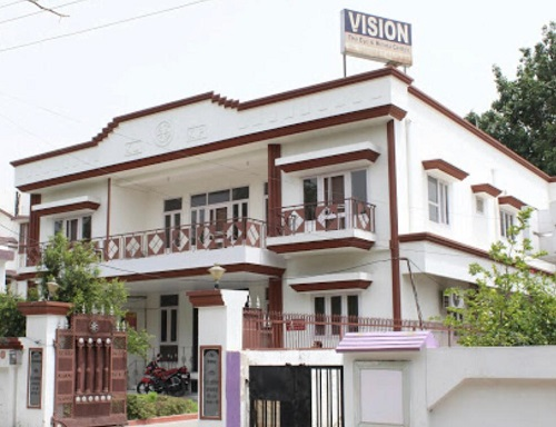 vision-the eye and retina centre, lucknow