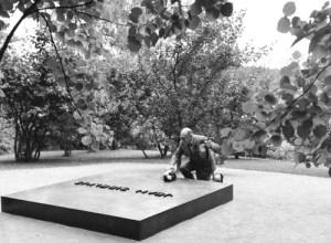 Stravinsky lays flowers on Jean Sibelius's grave