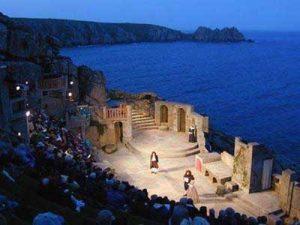 Minack-theatre-night