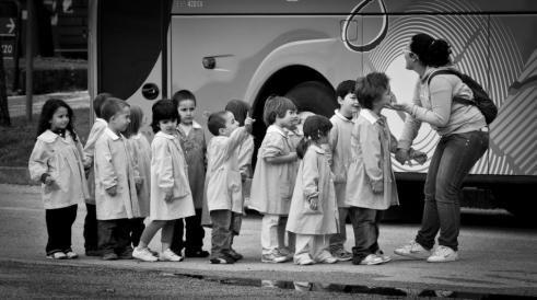 School_Bus_Students_Teacher_Foreign_Class_Kindergarten_Miss