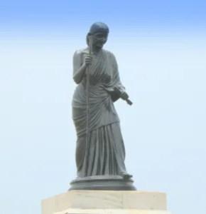 Statue_of_Avvaiyar