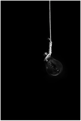 Bulb_Tube_Light_Rope_Hang_War_Capital_Punishment_Dead_Penalty_Judgment_Jury