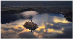 Homes_Castle_Houses_Lakes_Scenic_Serene_Dwelling_Stay_Places_Towns_Quaint_Residence